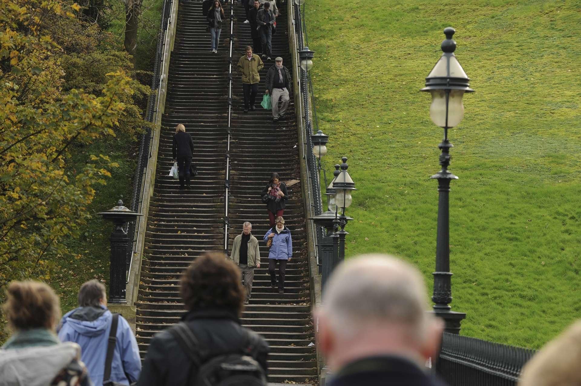 Playfair Steps, The Mound